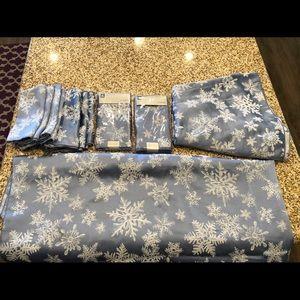 Ice Palace Holiday Tablecloth & Napkin Set